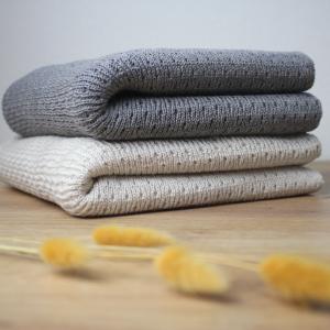 couverture laine mérinos écru et gris
